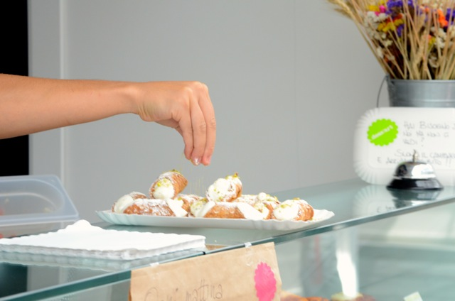 Cannoli in Rome - Food Tours Musts