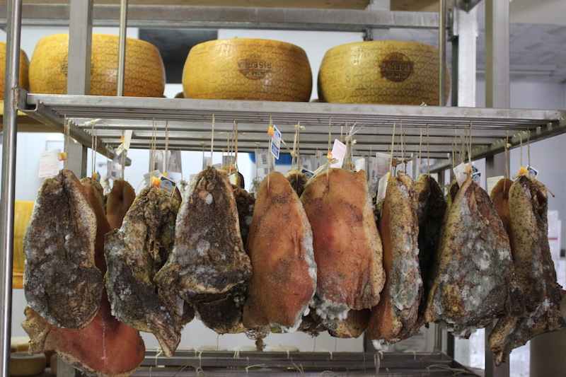 Italian hams - Italian markets freshest ingredients - Delectable Destinations - Carol Ketelson